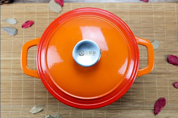 健康烹饪应选择合适的锅